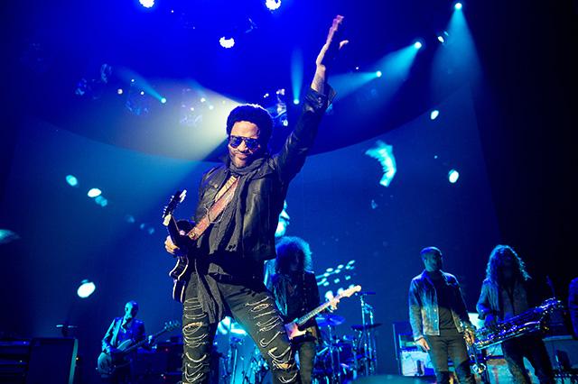 Recensie: Lenny Kravitz bij vlagen fenomenaal in Ziggo ...