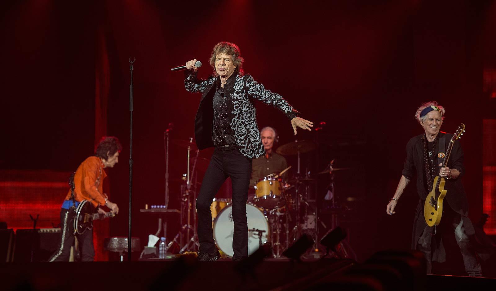 Recensie: Stones schijnen licht op de ArenA (concert)   OOR Rolling Stones Nederland 2017