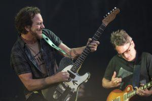 Nieuwe Pearl Jam te beluisteren door telefoon op de maan te richten