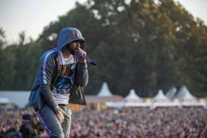 Rapgod Eminem kan rockgoden aan