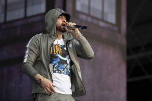 Eminem brengt vanuit het niets nieuw album uit
