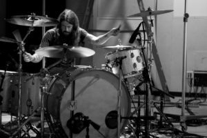 Dave Grohl lanceert PLAY, een tweedelige mini-documentaire