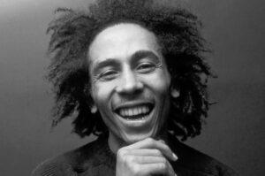 Op de dubboot door Amsterdam met Bob Marley (1976)