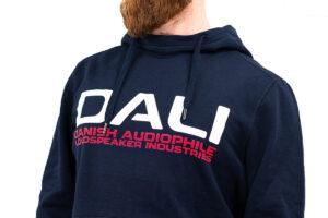 Met een hoodie van audiomerk DALI de straat op